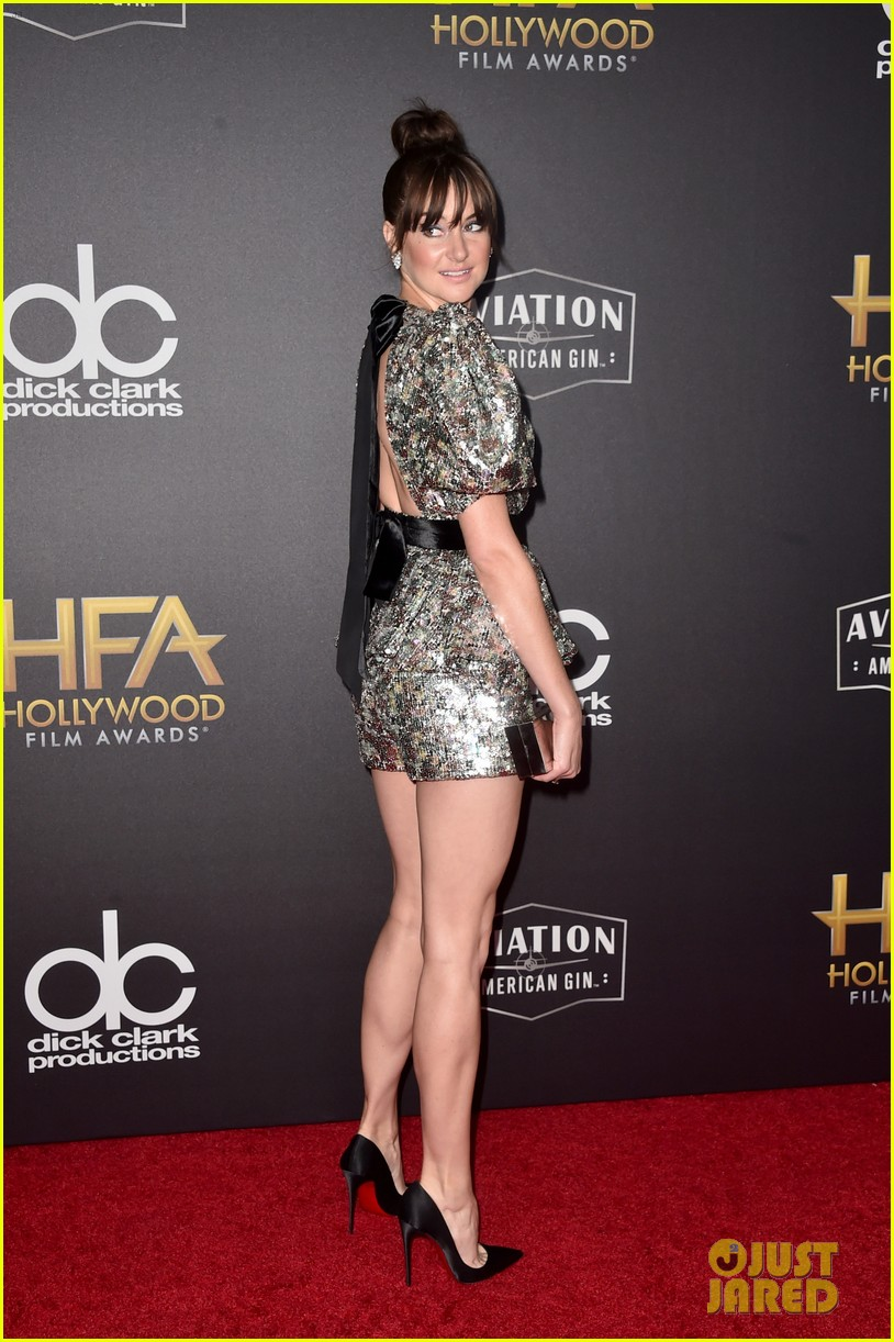 shailene woodley dazzles in metallic dress at hollywood film awards 2018 14