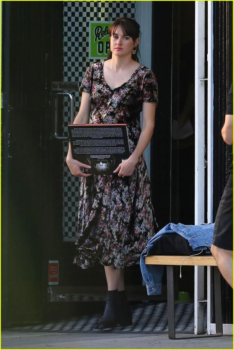 shailene woodley continues filming untitled movie 04