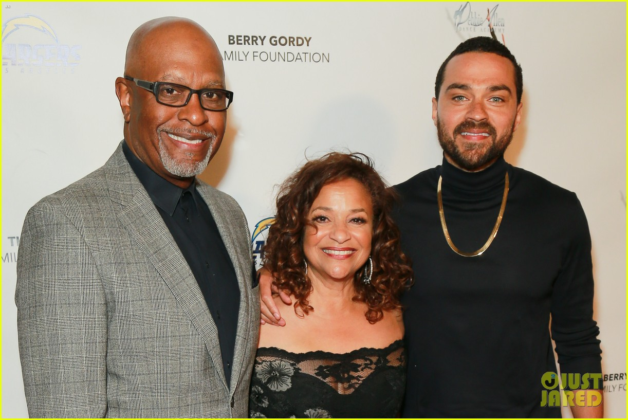 jesse williams gives update on relationship with greys anatomys sarah drew 01