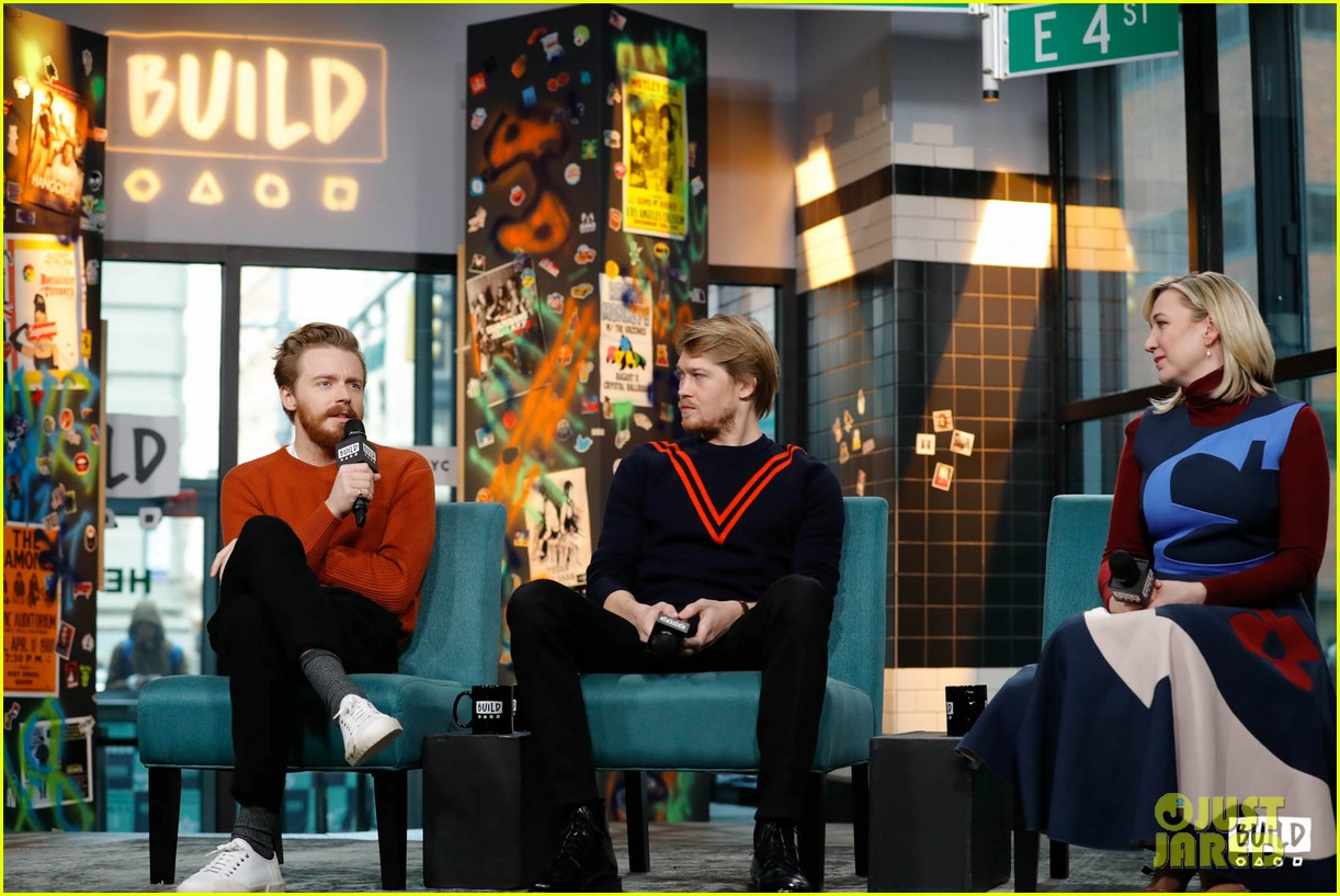 joe alwyn says he auditioned multiple times for love actually 014194515