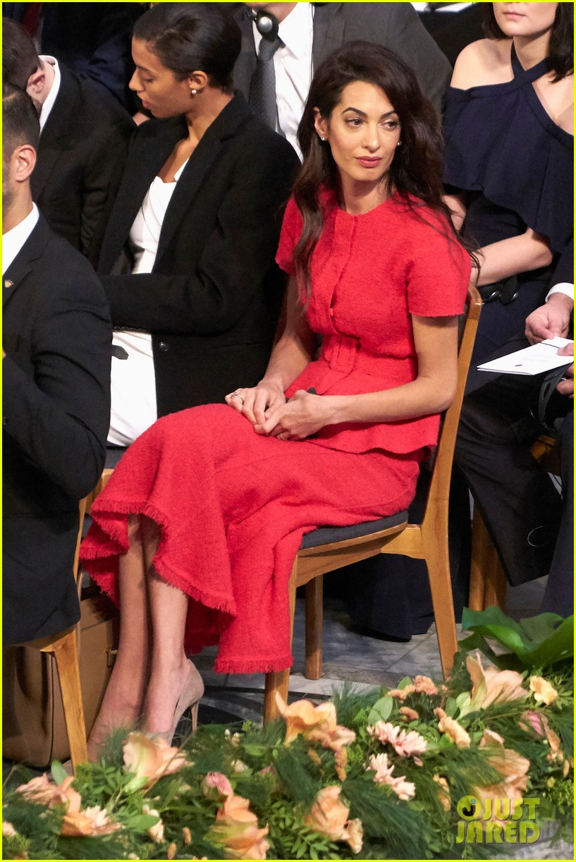 amal clooney steps out solo for nobel peace prize ceremony 2018 02