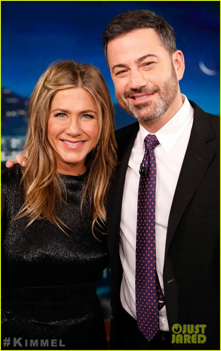 jennifer aniston recalls jimmy kimmels daughter pooping in her backyard 014194271