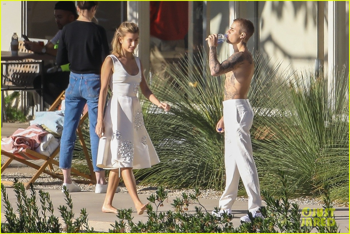 Justin Amp Hailey Bieber Wear So Many Outfits For New Photo