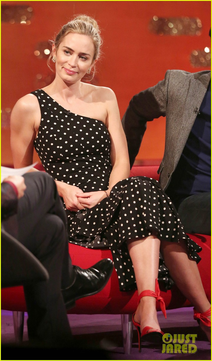 emily blunt would come home to john krasinski full of joy after filming mary poppins 044200749