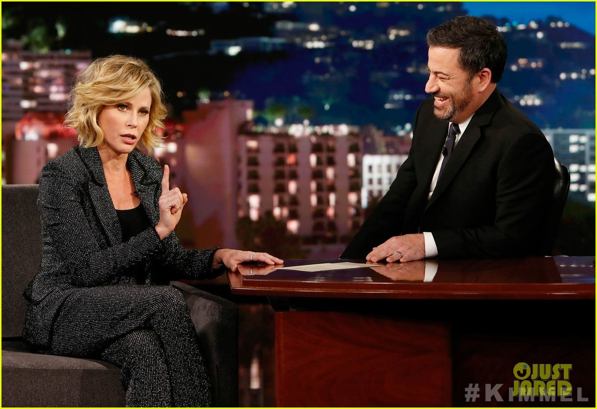 julie bowen confirms on jimmy kimmel live that modern family in talks to not end 01