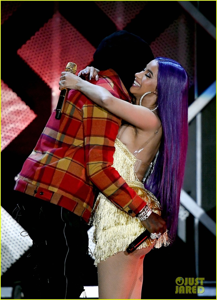 Cardi B Flaunts 6 Pack Abs In Instagram Video Watch Clip: Cardi B & Offset Flaunt PDA On Stage At L.A.'s Jingle Ball
