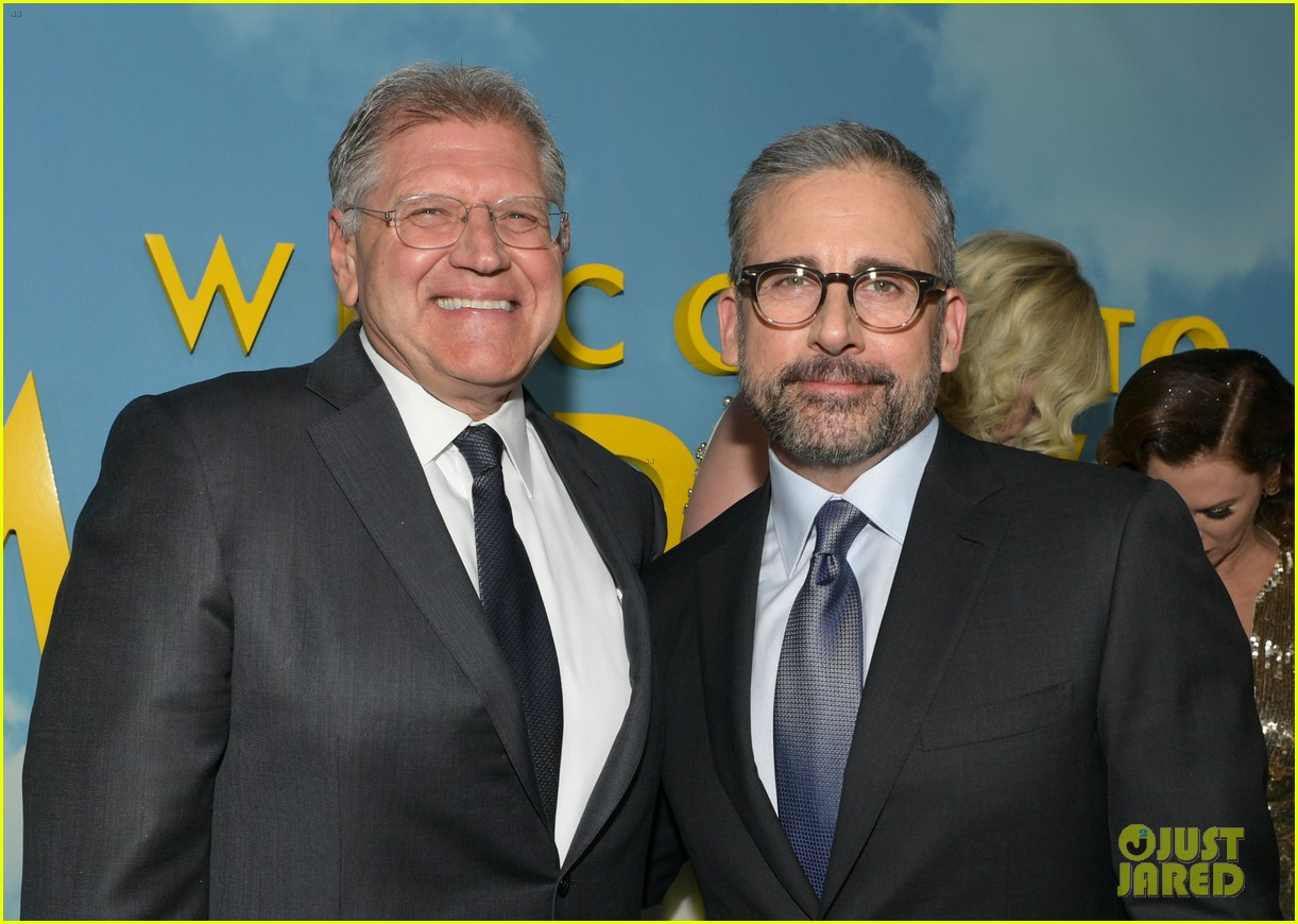 steve carell joins welcome to marwen cast at premiere 214196967