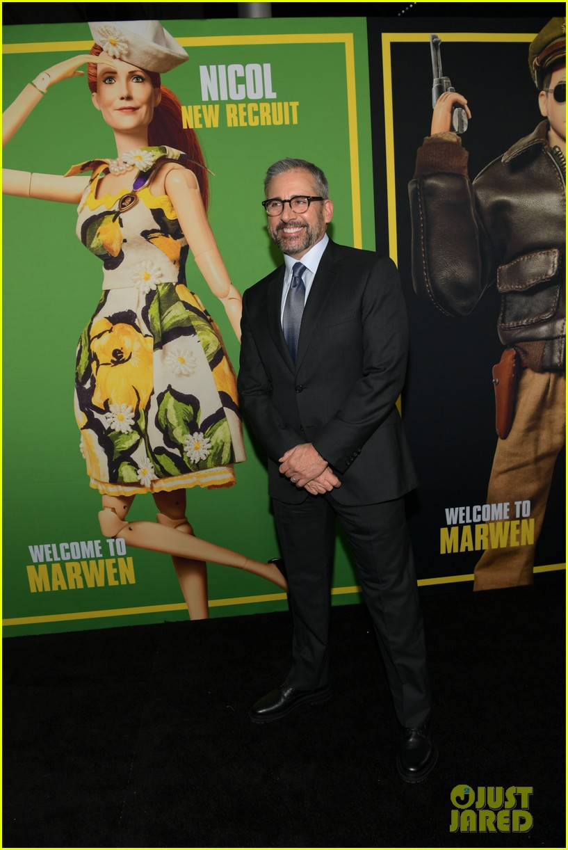 steve carell joins welcome to marwen cast at premiere 244196970
