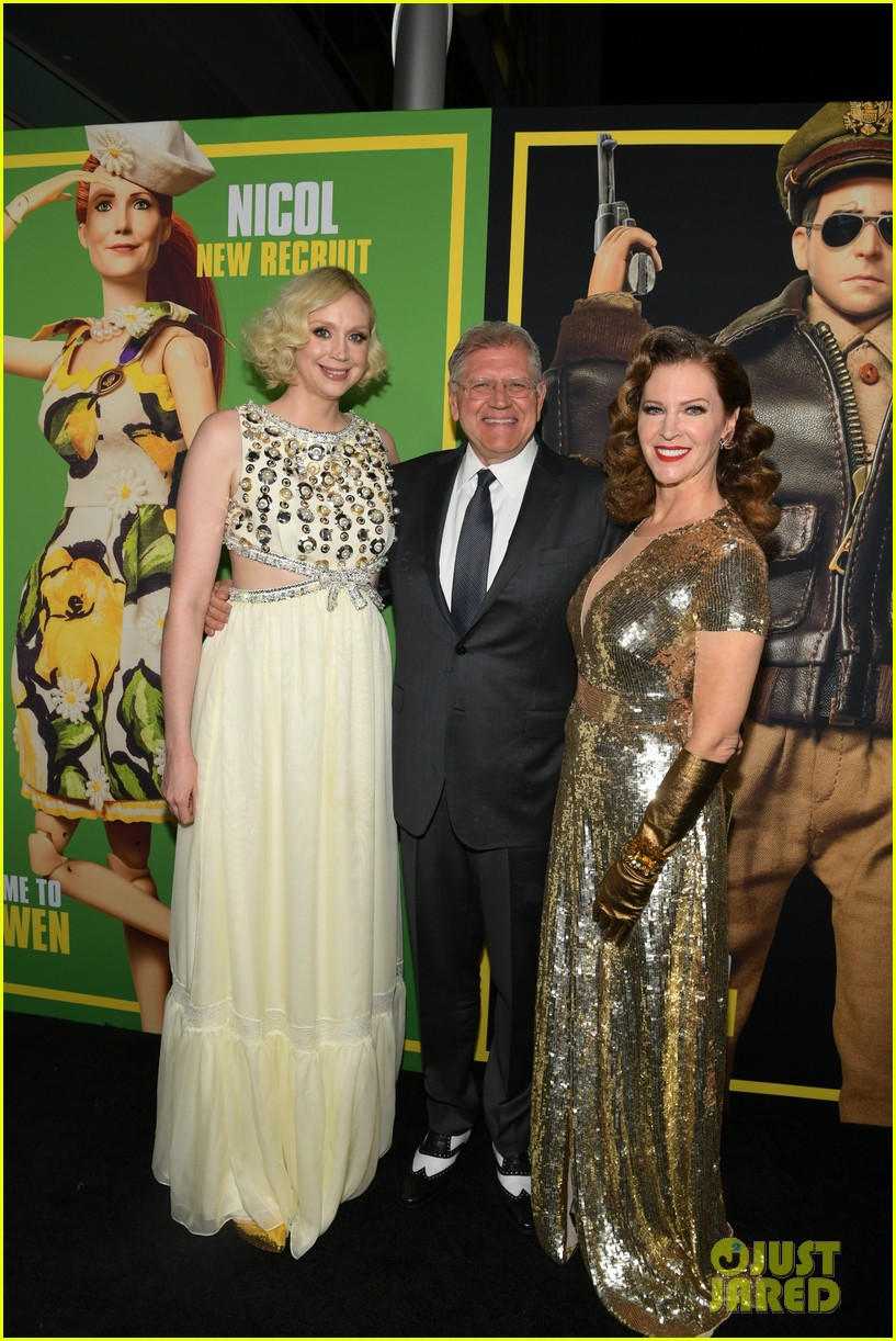 steve carell joins welcome to marwen cast at premiere 344196980