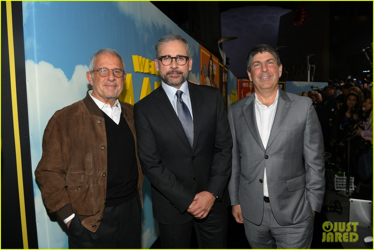 steve carell joins welcome to marwen cast at premiere 374196983
