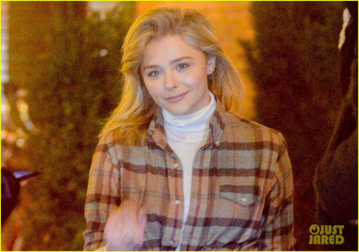 chloe moretz out in new york city night 03