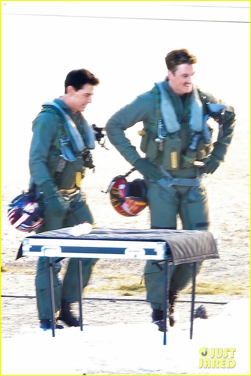 tom cruise miles teller film top gun scene 03