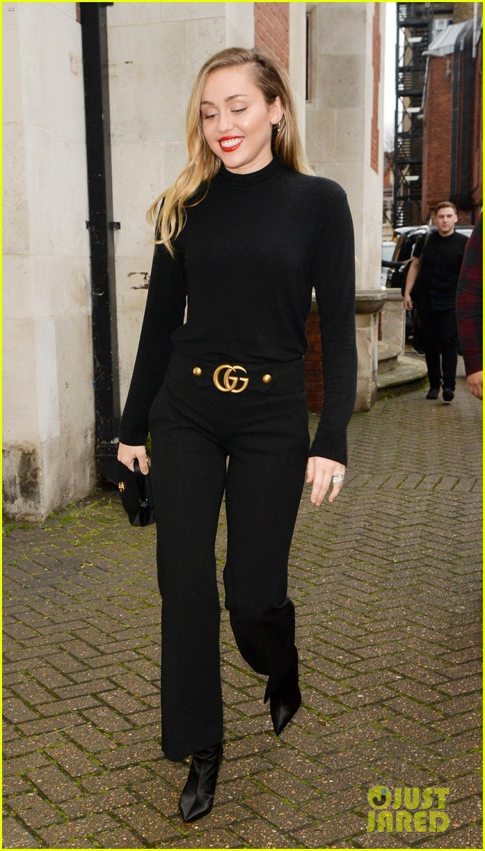Miley Cyrus Keeps It Classy In All Black Outfit While Out In London Photo 4194024 Miley Cyrus Pictures Just Jared