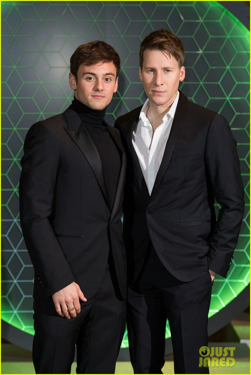 tom daley dustin lance black couple up at vanity fair x bloomberg climate change gala 02