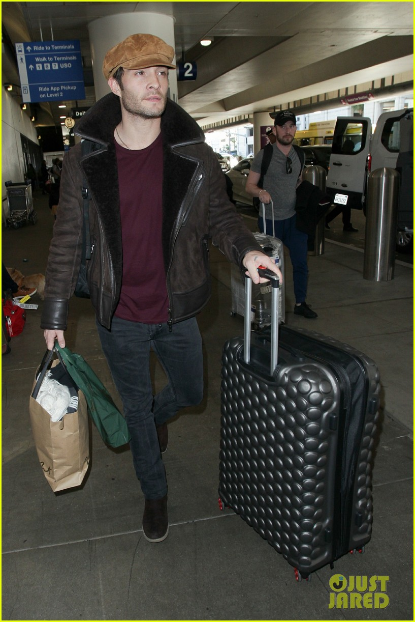 ed westwick jets into lax after the holidays 01