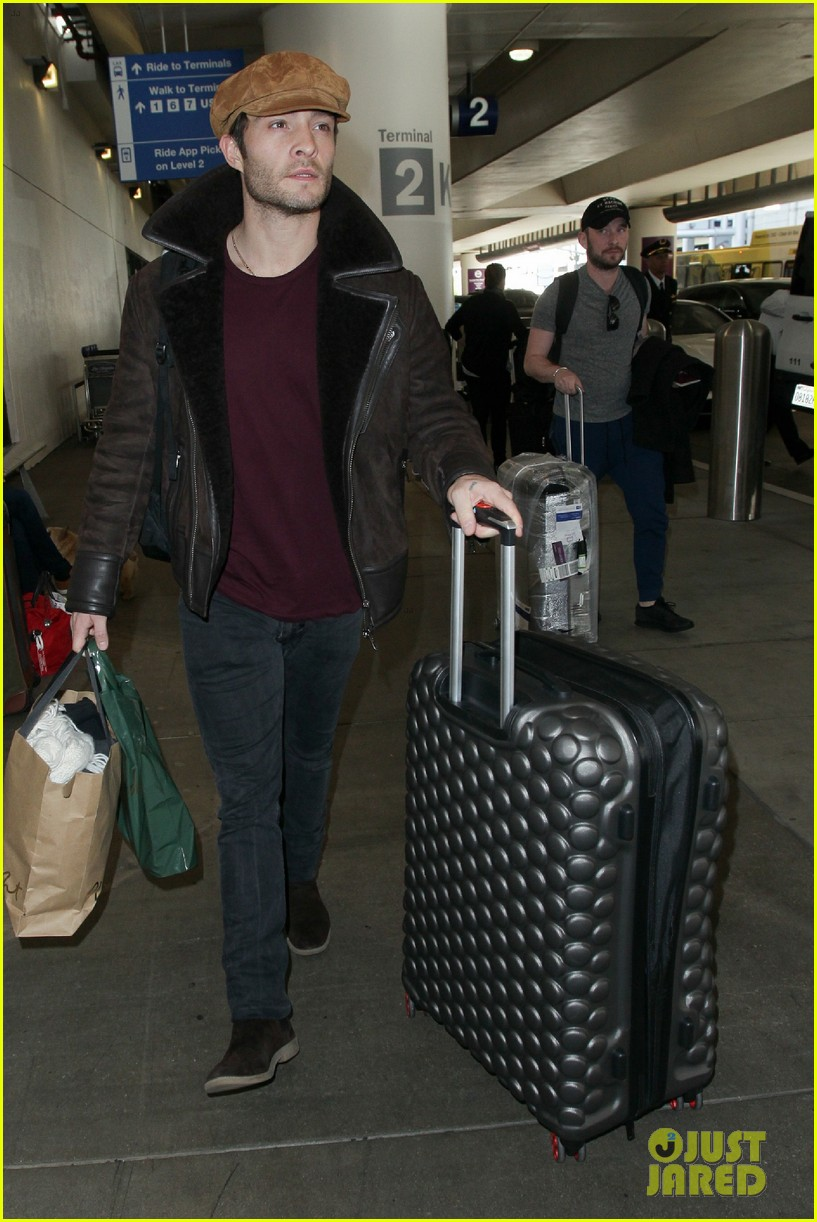 ed westwick jets into lax after the holidays 03