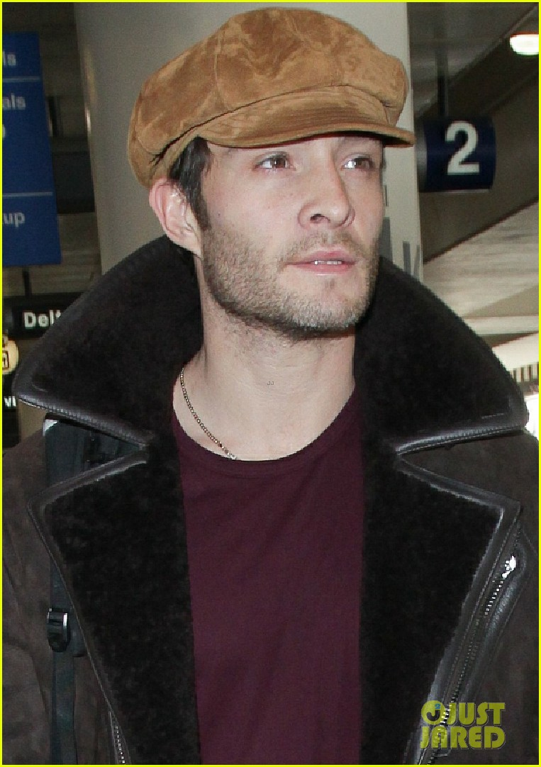 ed westwick jets into lax after the holidays 04