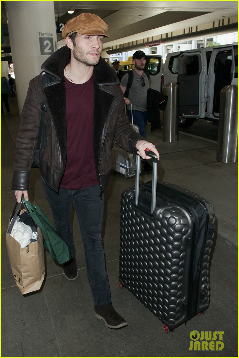 ed westwick jets into lax after the holidays 05