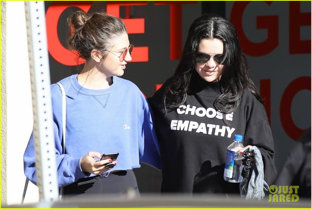 selena gomez chooses empathy while hepling out person in need 064203245