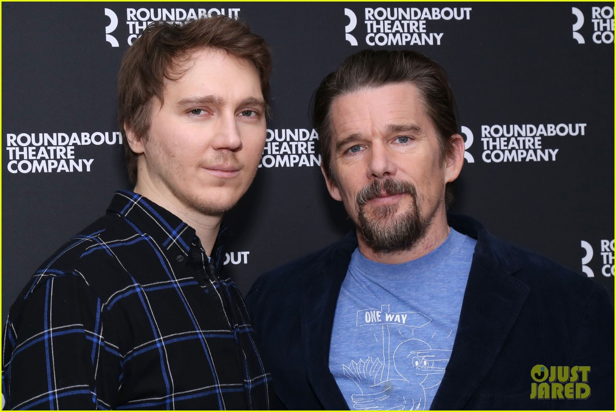 ethan hawke and paul dano team up for true west broadway photo call 024194704