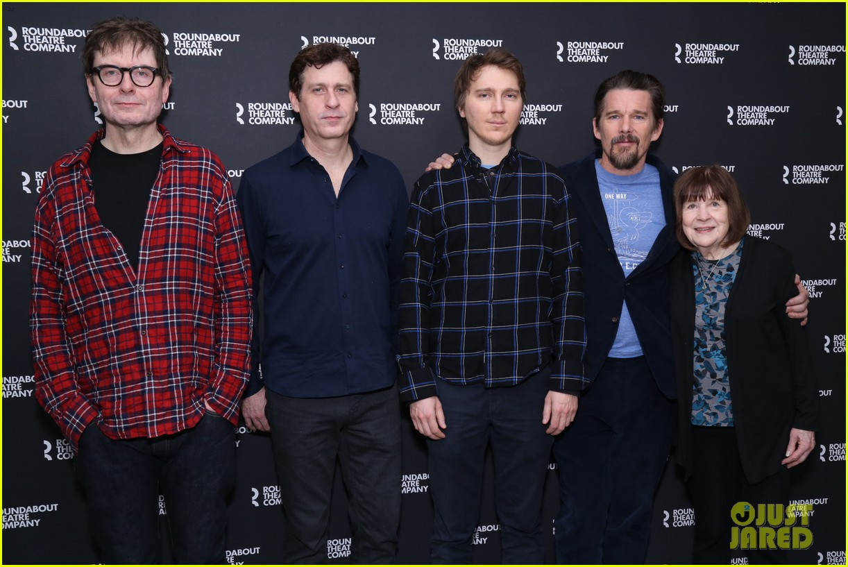 ethan hawke and paul dano team up for true west broadway photo call 044194706