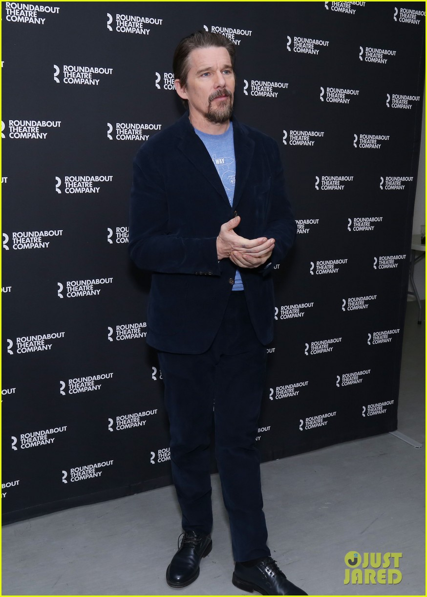 ethan hawke and paul dano team up for true west broadway photo call 054194707