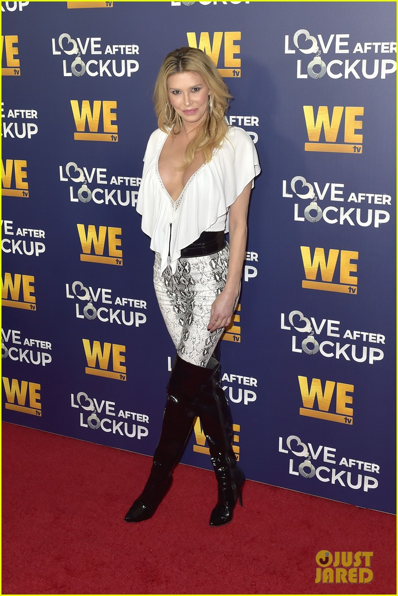 caitlyn jenner gets support from sophia hutchins at love after lockup return celebration 344197594