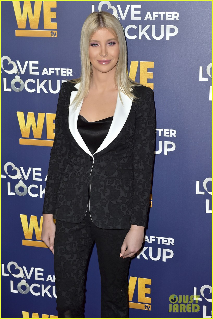 caitlyn jenner gets support from sophia hutchins at love after lockup return celebration 374197597