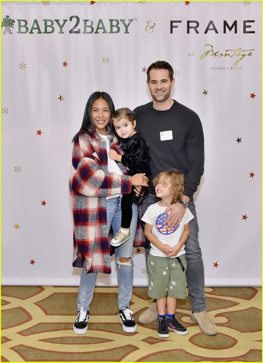 baby2baby holiday party december 2018 04