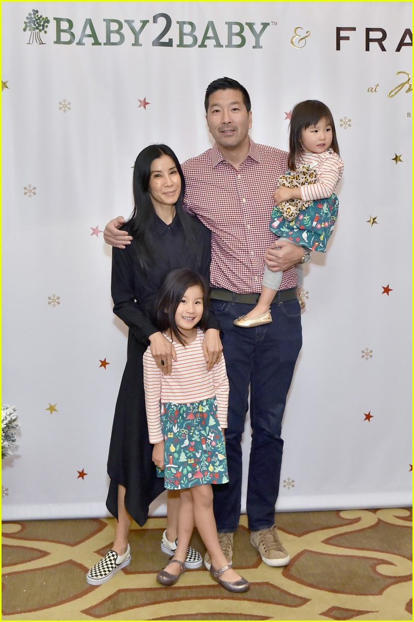 baby2baby holiday party december 2018 17