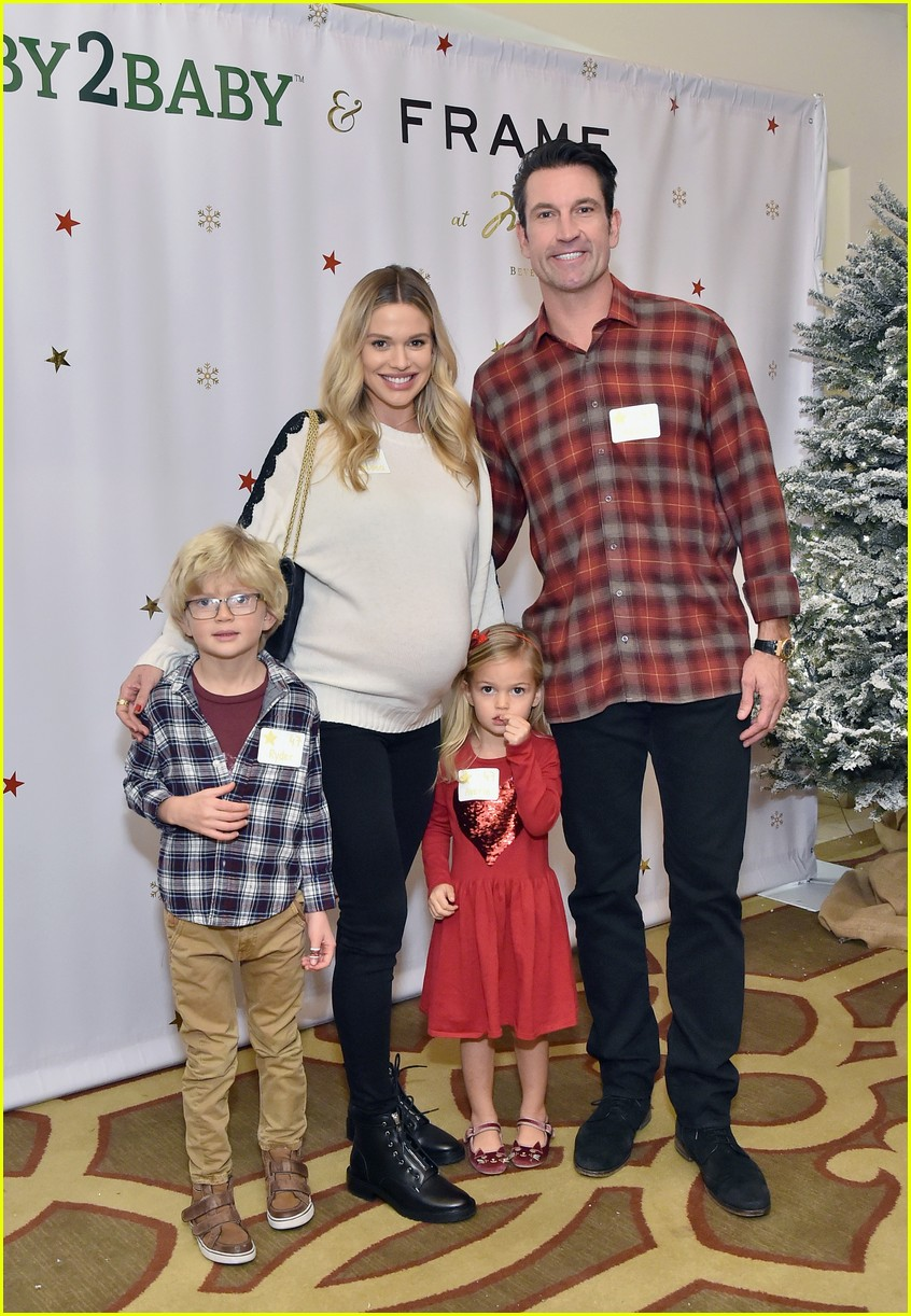 baby2baby holiday party december 2018 22