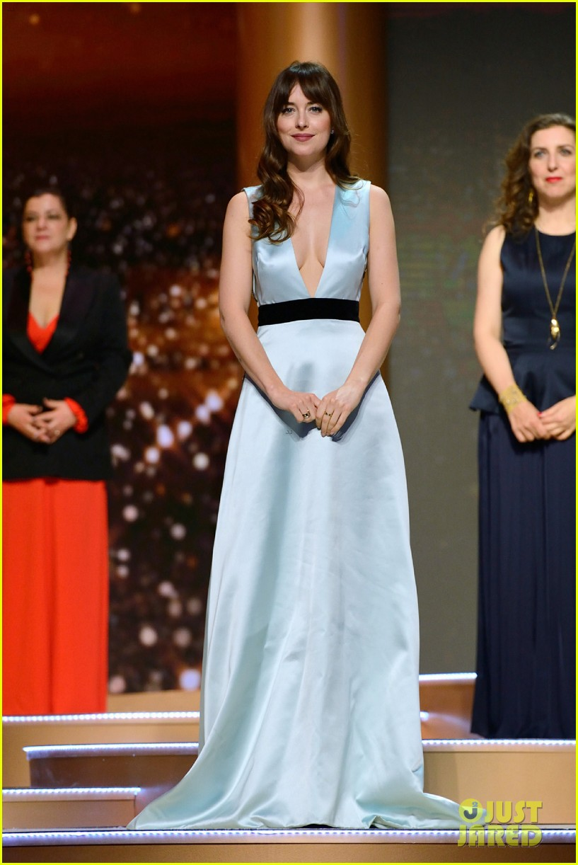 dakota johnson stuns at marrakech film festival closing ceremony 044195854