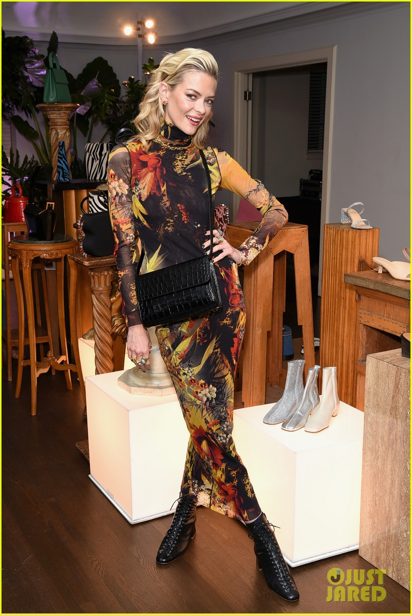 january jones jaime king more get festive at by far party 06