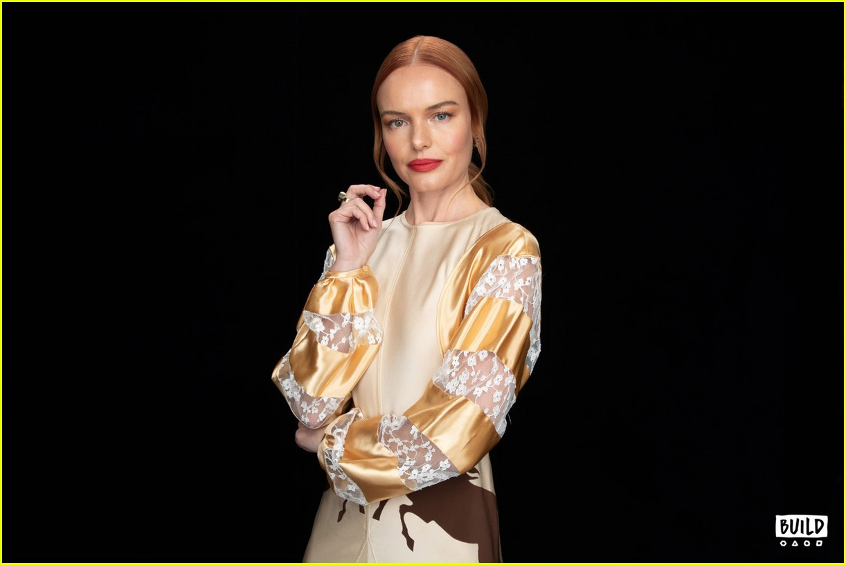 kate bosworth stops by build 08