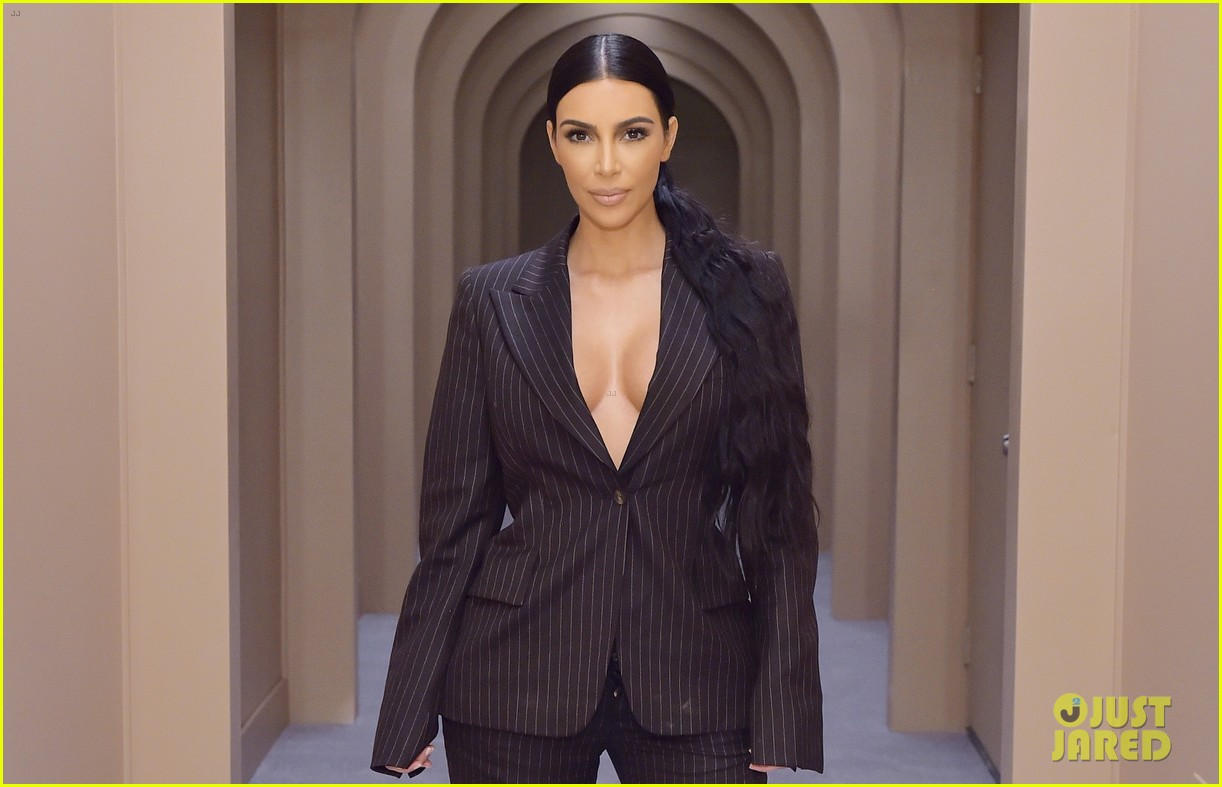 kim kardashian kkw pop up 014192911