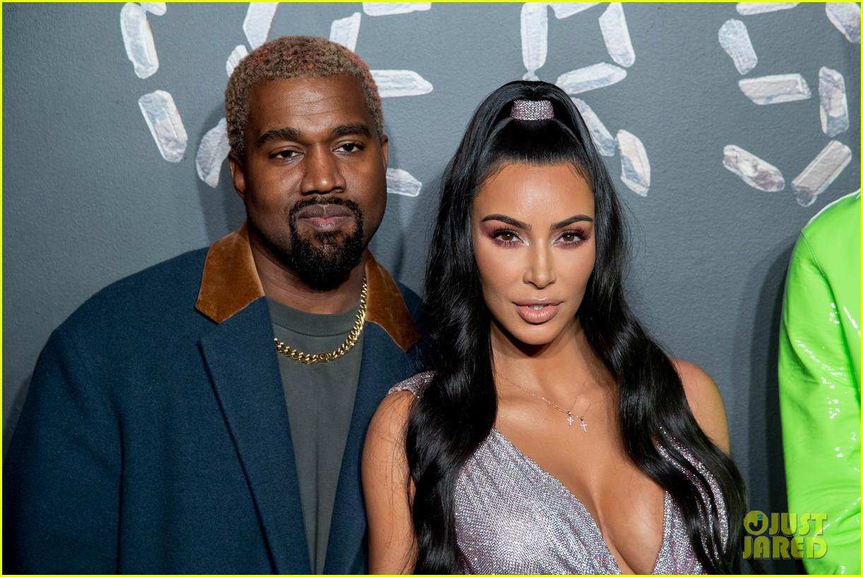kim kardashian kanye versace december 2018 044191651