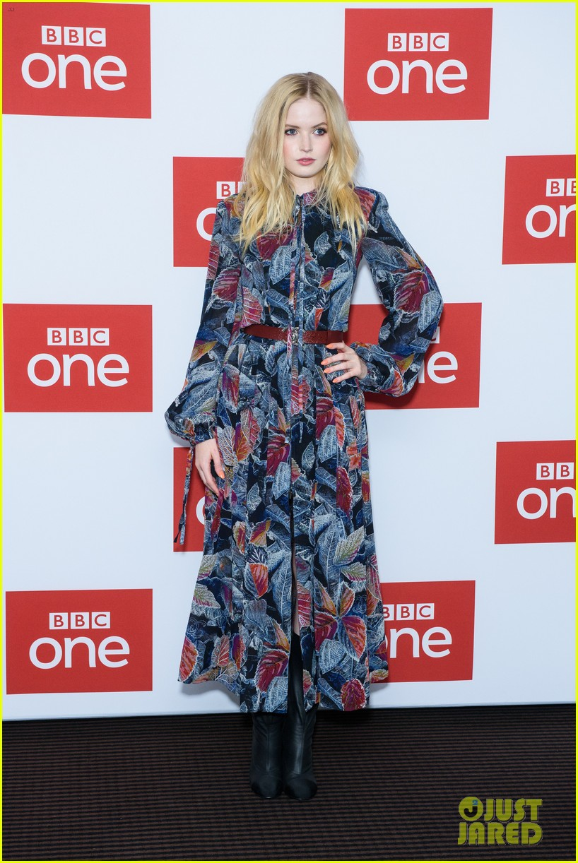 les miserables photocall london december 2018 154194379