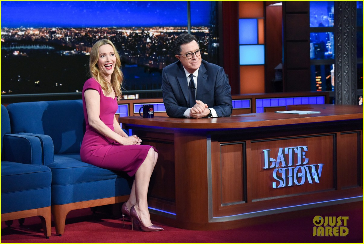 leslie mann opens up about living with daughter on late show watch here 01
