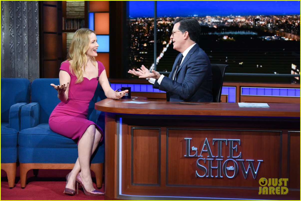 leslie mann opens up about living with daughter on late show watch here 07