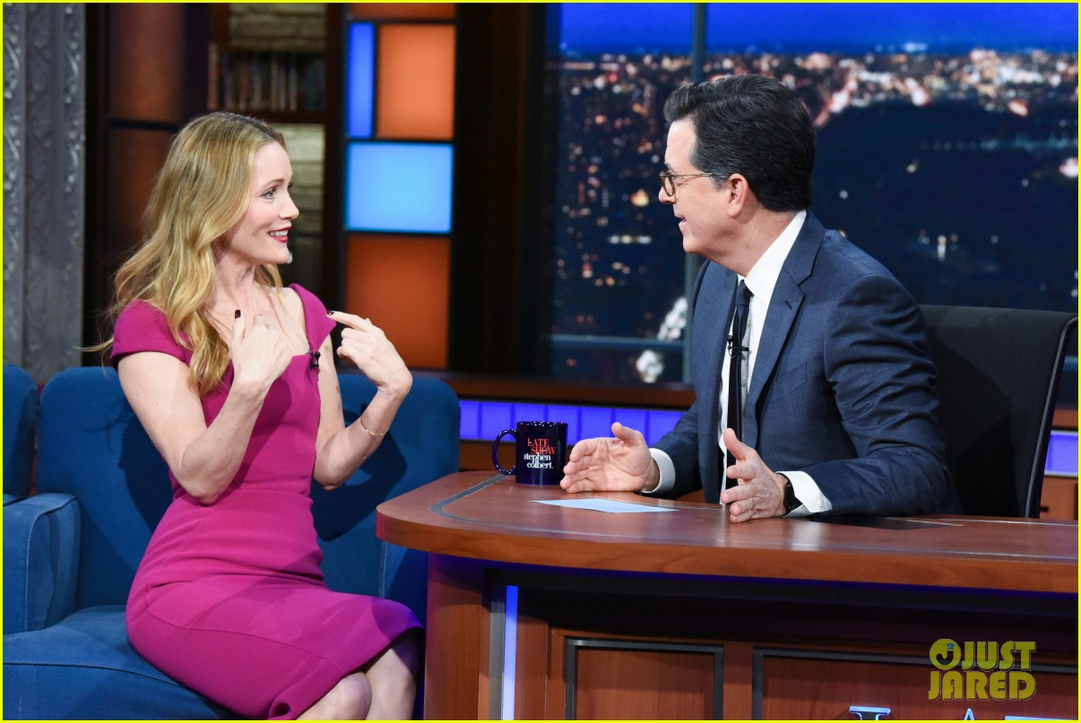 leslie mann opens up about living with daughter on late show watch here 08
