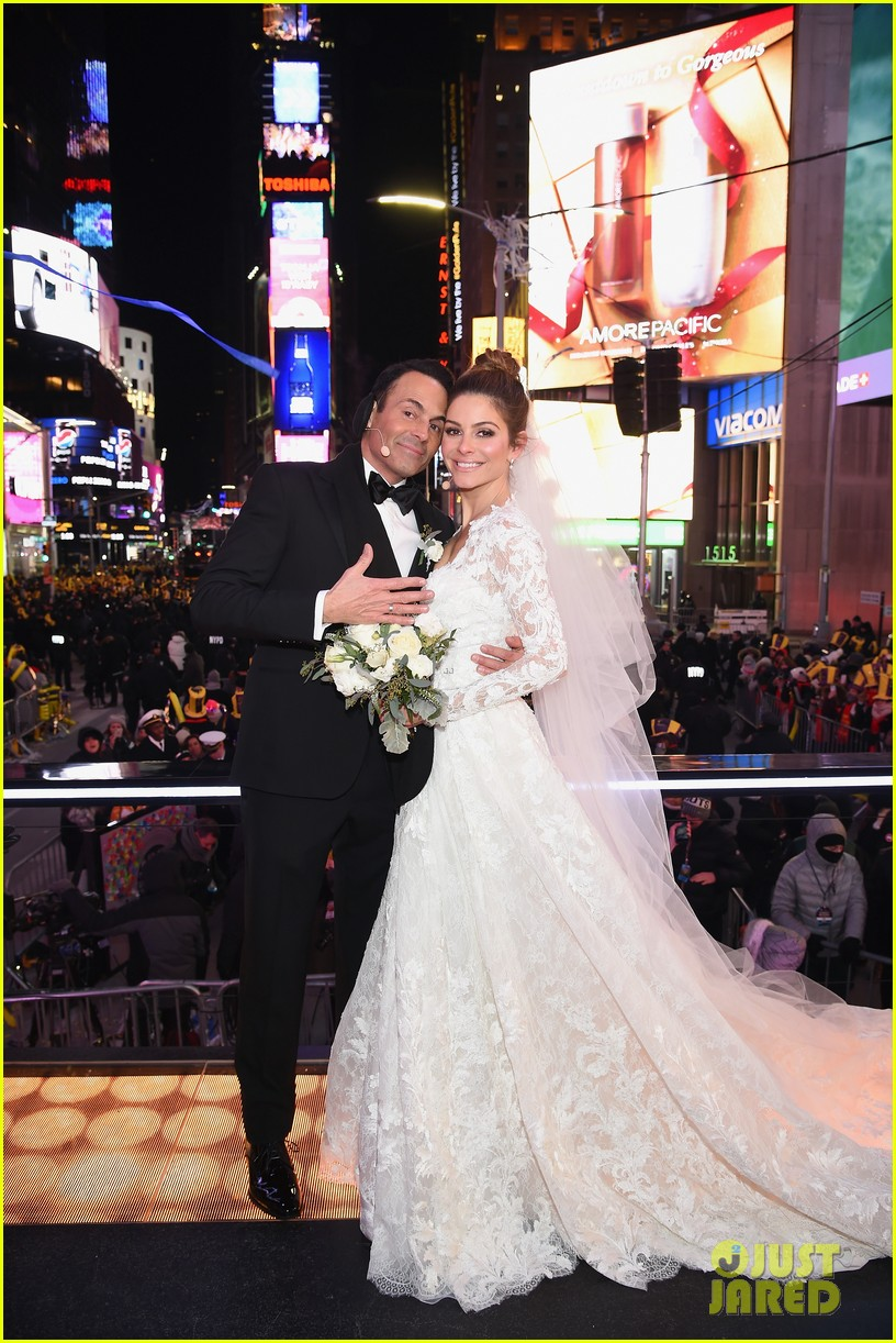 maria menounos keven undergaro new years eve wedding 20