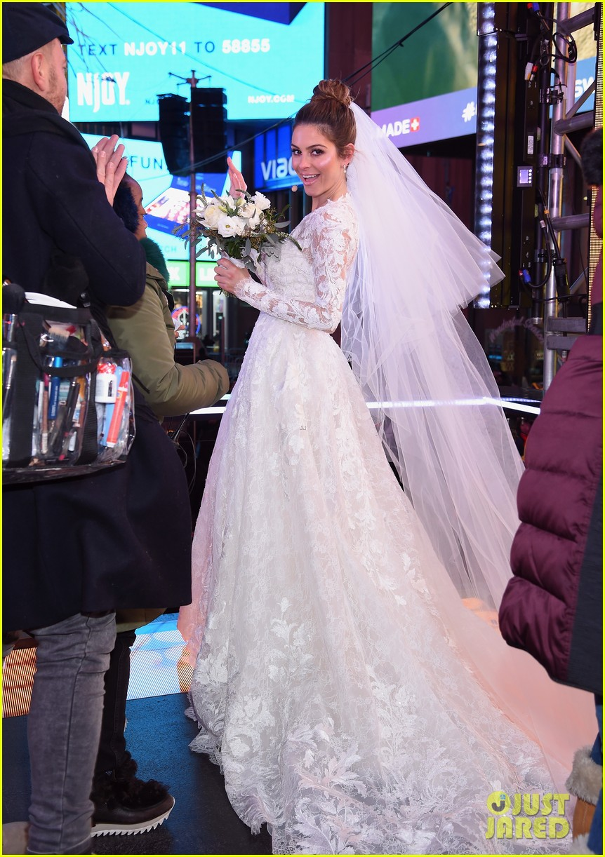 maria menounos keven undergaro new years eve wedding 22