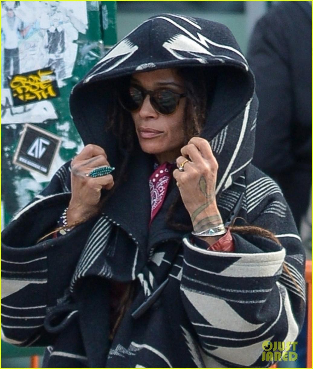jason momoa wife lisa bonet bundle up new york 024193127
