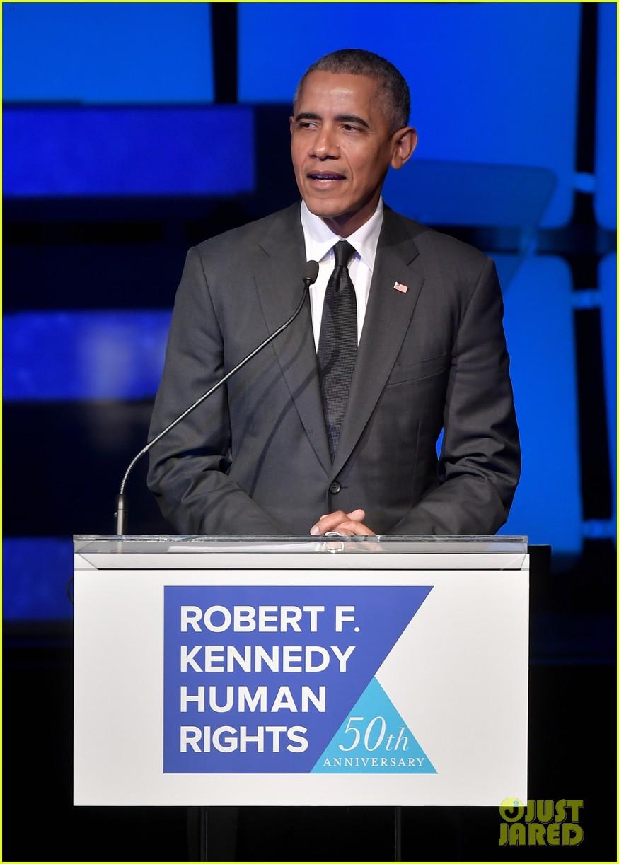 barack obama suprise appearance ripple of hope awards 024198180