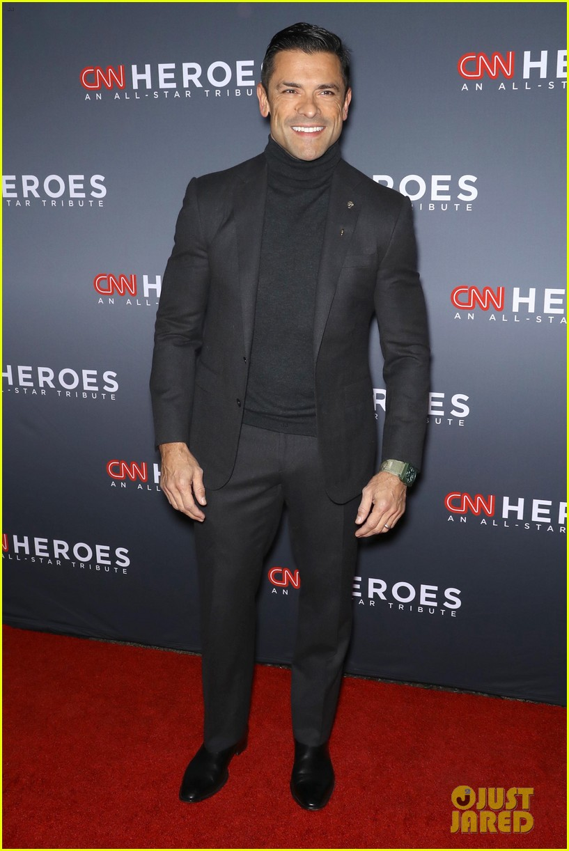 kelly ripa anderson cooper host star studded cnn heroes 174196288