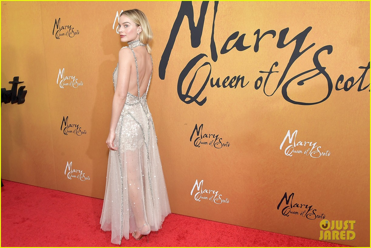 margot robbie saoirse ronan mary queen of scots premiere 124193451
