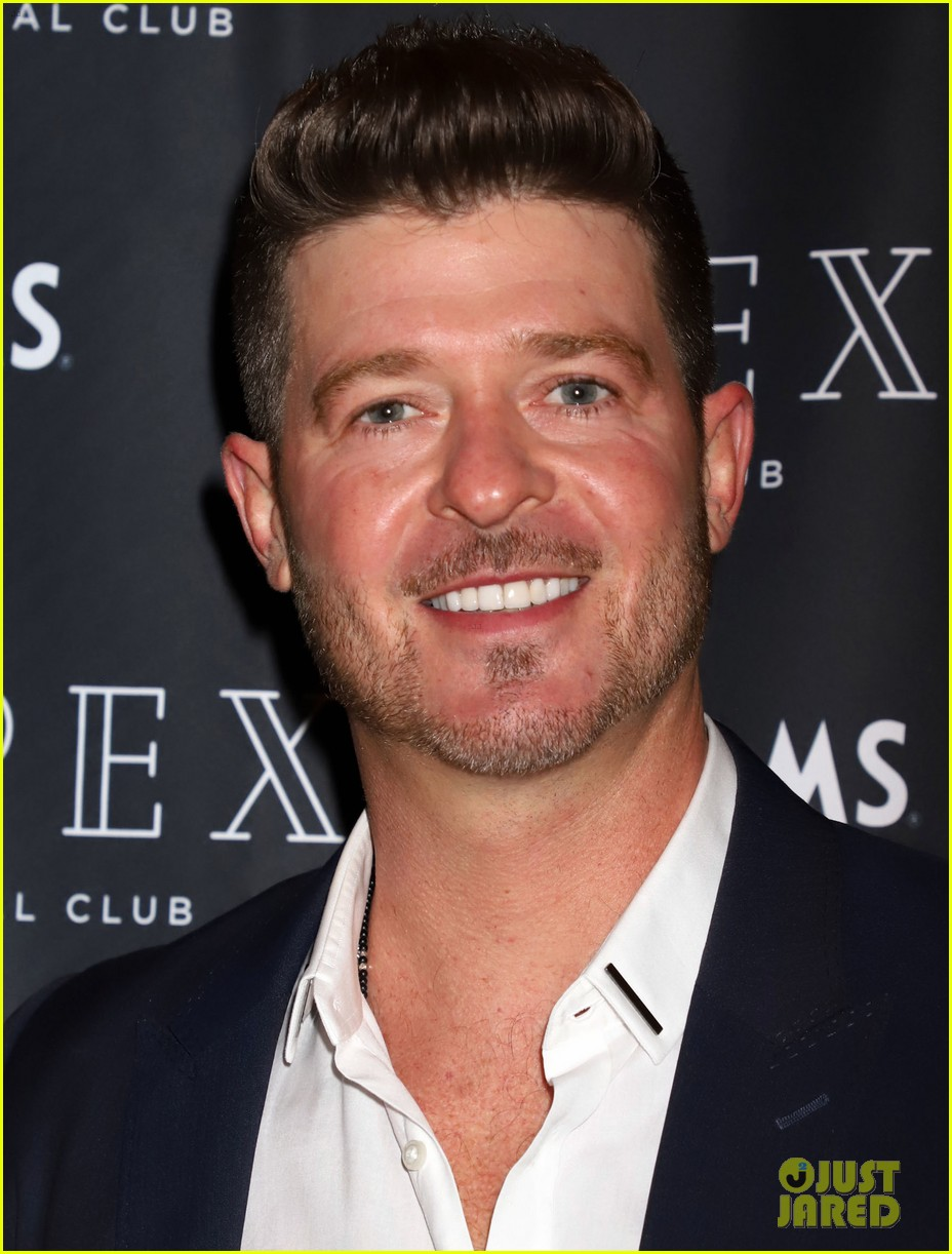 robin thicke new years eve ready 04
