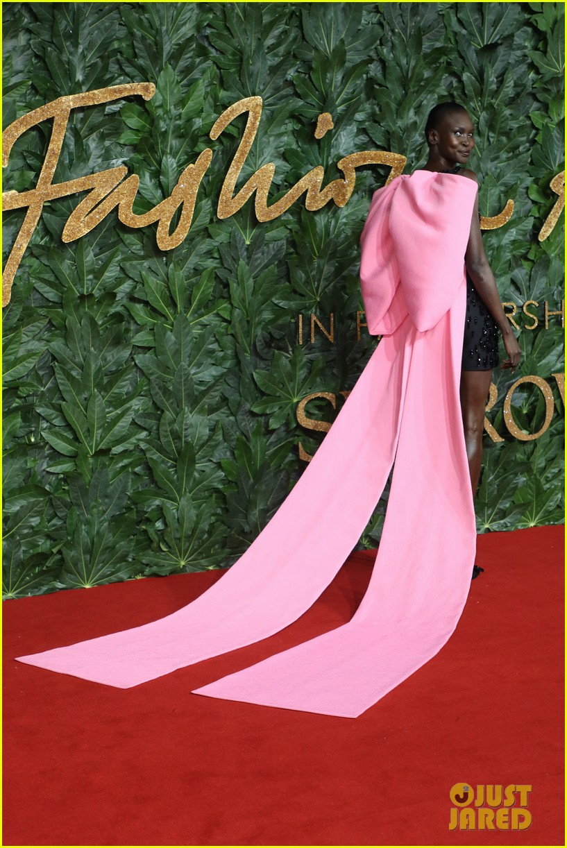 the fashion awards models 044196773