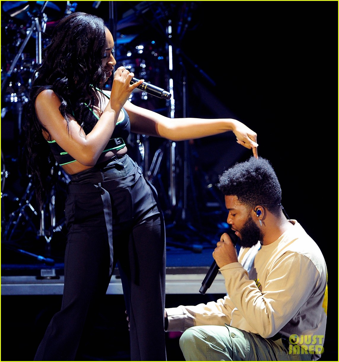 Khalid klings to normani at 949 jingle ball 414191480