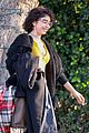 sarah hyland leaves la during social media break 03